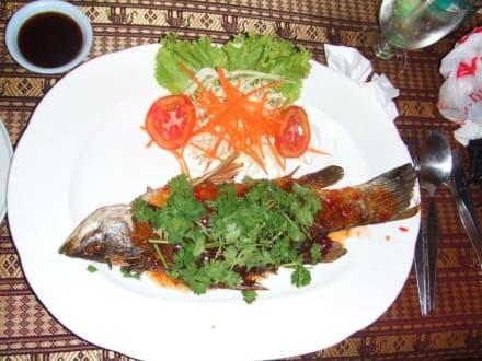 süß/scharfes Fischgericht - Restaurant Mermaid