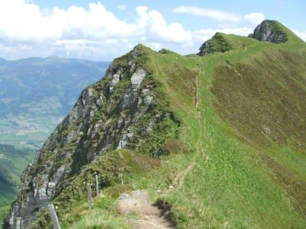 Kurzer Blick zurück - Wandern Kaprun