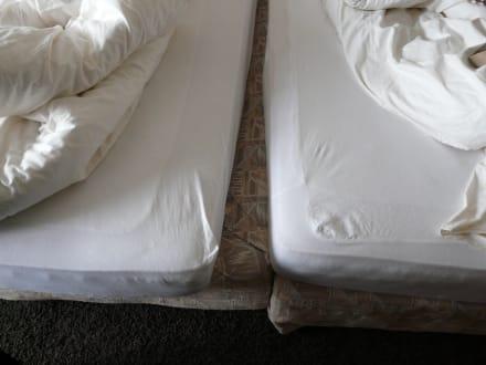 durchgeleges bett bild upstalsboom hotel am strand in horumersiel niedersachsen deutschland. Black Bedroom Furniture Sets. Home Design Ideas