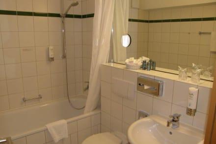 Zimmer 808: Bad - BEST WESTERN Macrander Hotel Dresden