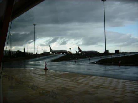 Donnerwetter vor dem Abflug Paphos International Airport - Flughafen Paphos (PFO)