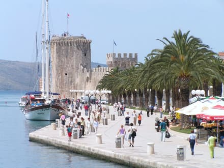 Promenade - Festung Kamerlengo