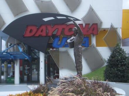 Daytona Speedway - Daytona International Speedway