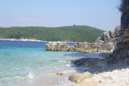 ein sunderschöner Strand in der nähe von Kassiopi - Strand Kassiopi