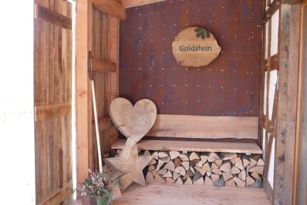 einladender hauseingang bild bergdorf liebesgr n in schmallenberg nordrhein westfalen. Black Bedroom Furniture Sets. Home Design Ideas