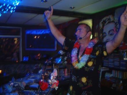 Pedro- der Chef und DJ - La Terraza - Tanz-Cafe by Pedro
