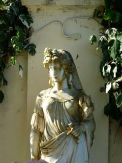 Staute im Garten von Achillio - Schloss Achilleion