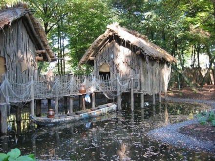 Afrikanisches Dorf - ZOOM Erlebniswelt Gelsenkirchen (Zoo)