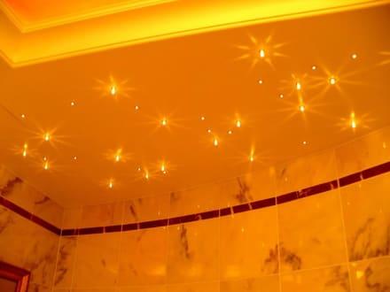 Deckenbeleuchtung im bad bild althoff seehotel berfahrt for Bad deckenbeleuchtung
