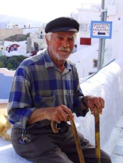 Die herzlichen Menschen von Oia - Altstadt Oia