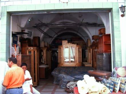 Kleiner Möbelladen in der Medina - Medina