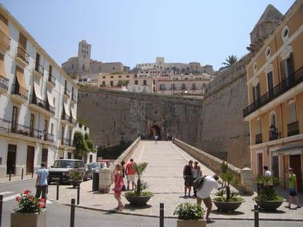 Aufgang zur Oberstadt - Altstadt Dalt Vila Ibiza