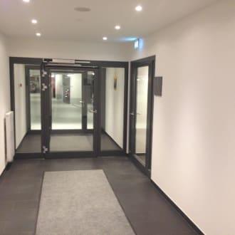 zugang zur tiefgarage bild motel one bremen in bremen bremen deutschland. Black Bedroom Furniture Sets. Home Design Ideas