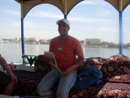 Achmed der Nil-Erklärer - Oototo Holiday Service