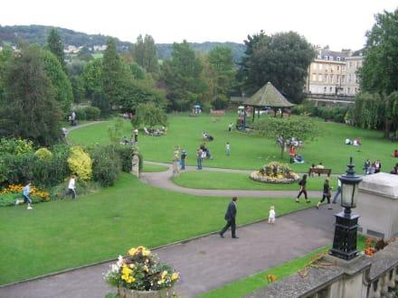 Bath, beliebter Park am Avon - Bath