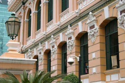 Fassadendetail der Hauptpost in Saigon - Hauptpost