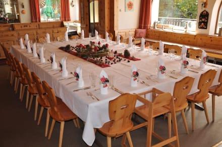 Dekoration taufe bild hotel seraina in sils segl maria for Taufe dekoration