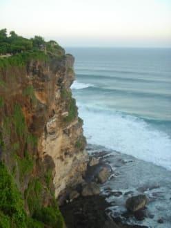 Cliff am Uluwatu - Uluwatu Tempel