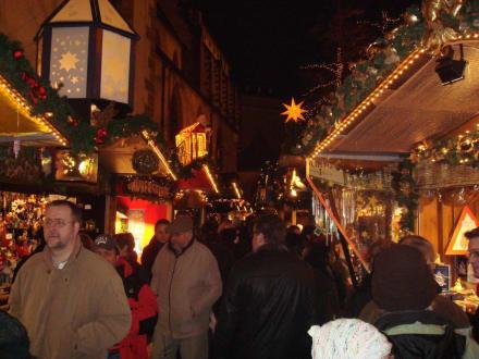 Weihnachtsmarkt am Barfüsslerplatz Basel - Weihnachtsmarkt Basel