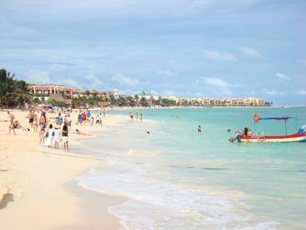 Strand neben dem Hafen - Einkaufen & Shopping