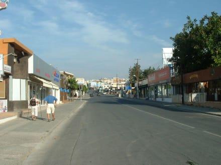 Einkaufsstrasse Ayia Napa - Einkaufsstrasse