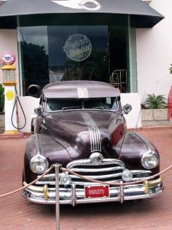 Harleys - Bar - Harley's American Restaurant