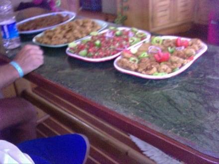 Lecker Mittagessen - für 30 Gäste! - Schnorcheln Hurghada