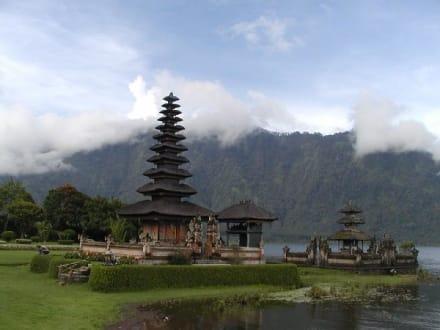 Pura Ulun Danu - Tempel Pura Ulun Danu Bratan