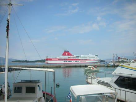 Fähre - Hafen Korfu Stadt/Kerkyra