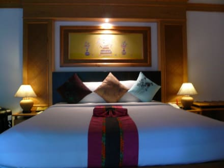 Bett - Hotel Somkiet Buri