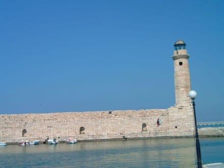 Hafenmauer - Hafen Rethymno