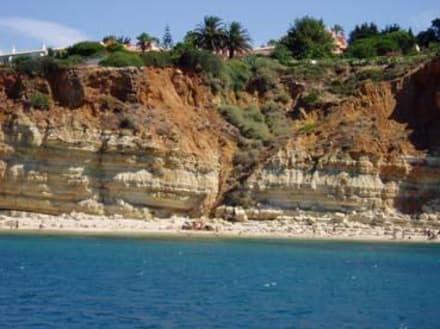 Kleiner Strand bei den Felsgrotten westlich vor Lagos - Ponta da Piedade