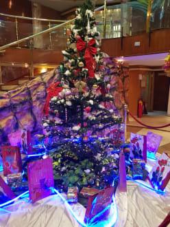 Weihnachtsdeko In Der Lobby Bild Ms Royal La Terrasse