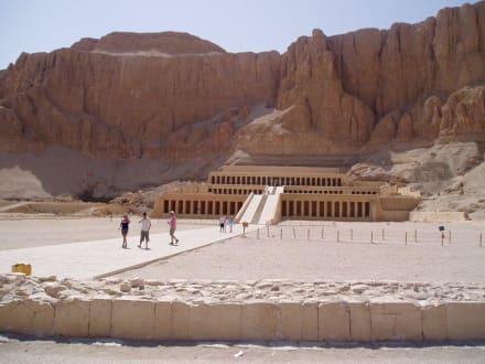 Ausflug nach Luxor:Hatschepsut-Tempel - Tempel der Hatschepsut