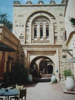 Der Innenhof - Medina Polizzi