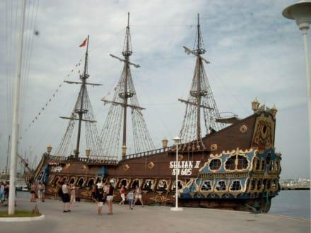 Piratenschiff-Tour - Piratenschifffahrt Hammamet-Yasmine