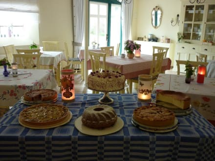 Ein leben ohne Kuchen ist möglich aber sinnlos! - Gästehaus Teichwiesenhof