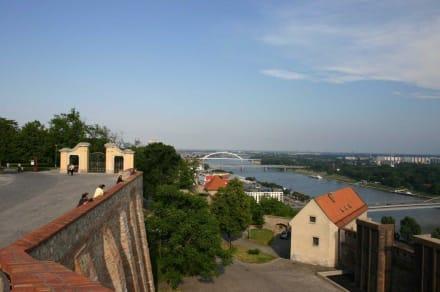 Blick auf die Donau von der Burg - Burg Bratislava