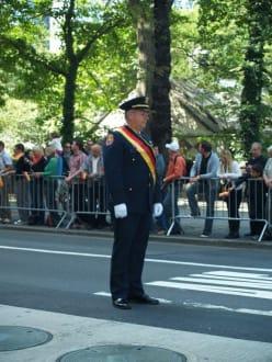 Alle hört auf mein Kommando - Steuben Parade New York