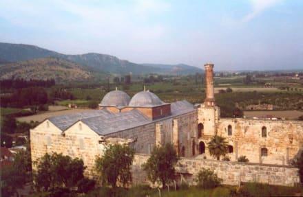 Blick auf die Isa-Bey-Moschee - Selçuk Isa Bey Moschee