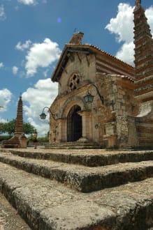 Kirche in Altos de Chavon - Altos de Chavón