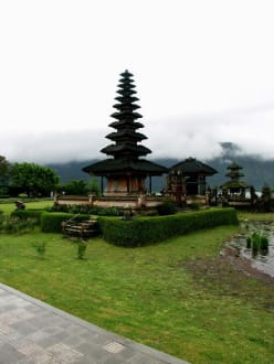 Puru Ulun Danu - Tempel Pura Ulun Danu Bratan