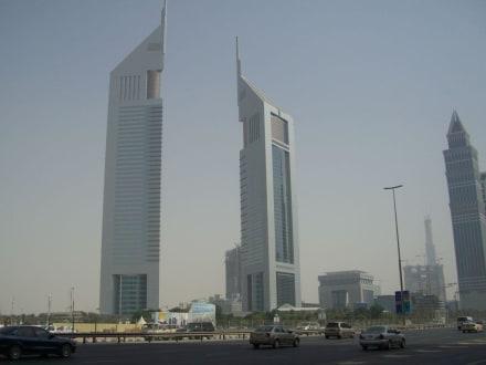 Dubai-Tower - Emirates Towers