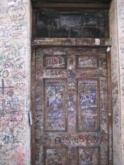Wand der Liebesbotschaften - Wand der Liebesbotschaften