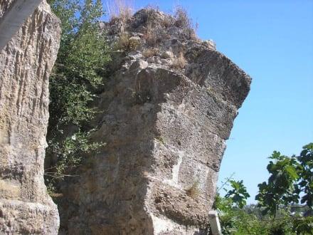 Fragmente der Wasserleitung - Aspendosbrücke