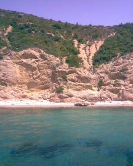 Einsamer Strand - Inselrundfahrt