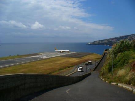 Flugzeugträger Madeira - Flughafen Madeira (FNC)