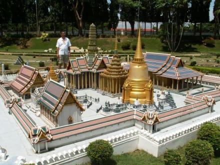 Der Wat Phra Kheo aus Bangkok in der Übersicht - Mini Siam