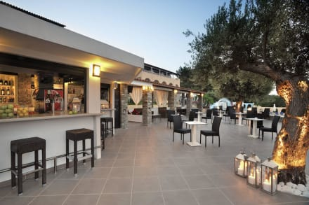 Pool Bar Elea Village -