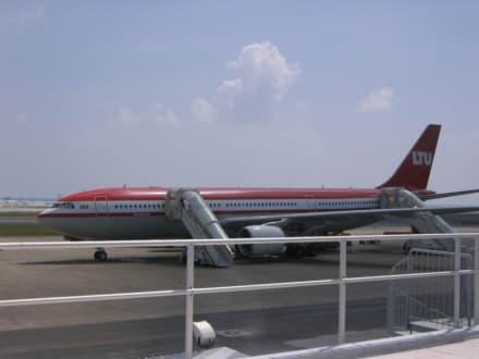 Flughafen Male LTU 767 - Malediven - Flughafen Malé (MLE)